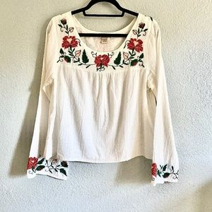 Lucky Brand Embroidered Boho Bell-sleeve top
